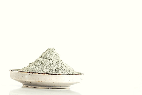 how to do an armpit detox with bentonite clay
